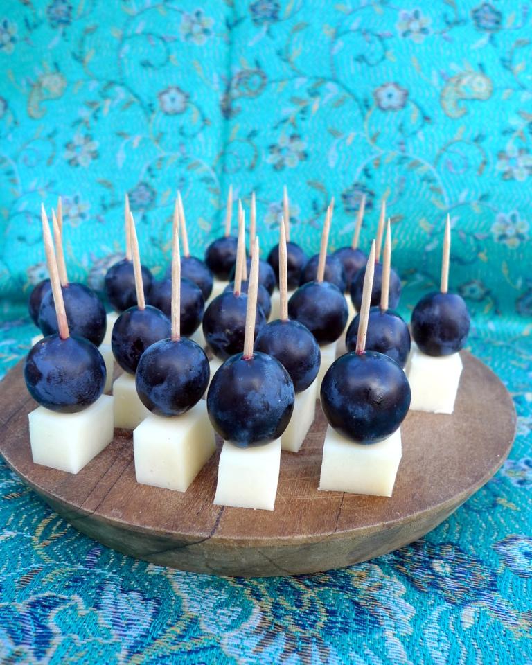 Apéritif raisin-fromage brebis basque